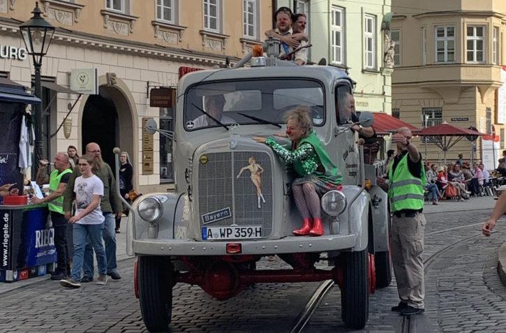 FUC-Clowns-IMG_ProAirMedienagentur-e1571750910984 Fuggerstadt Classic brachte 6500 Euro Spenden für Clowns ohne Grenzen Augsburg Stadt Freizeit News |Presse Augsburg