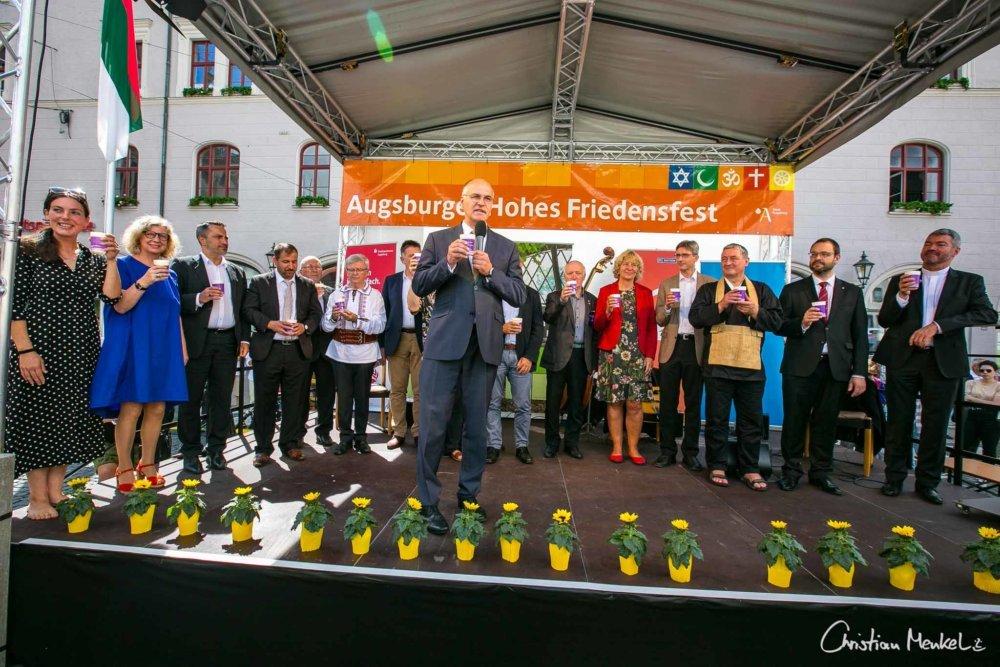 Ob Runder Tisch Der Religionen Augsburg Friedenstafel 2019