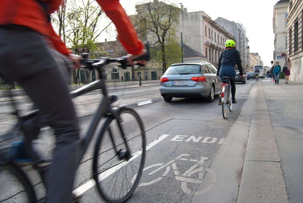 Cyclists 1750975 1280