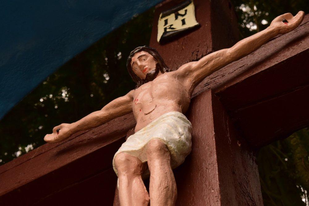 jesus-1541348_1920 Donau-Ries | Mann versucht Jesus am Holzkreuz mit einer Kettensäge zu köpfen Donau-Ries News Newsletter Polizei & Co Kettensäge Kreuz Kriegerdenkmal Marxheim |Presse Augsburg