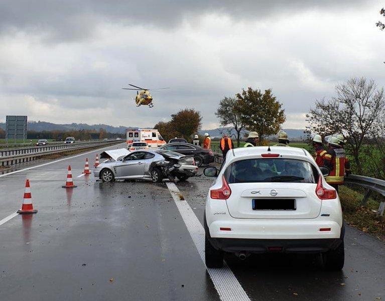 20191109_130841 Unfall mit mehreren Fahrzeugen auf der A7 - Ersthelferin wird bei Bad Grönenbach von Auto erfasst und schwer verletzt News Polizei & Co Unterallgäu A7 Bad Grönenbach Feuerwehr Hubschrauber Unfall Woringen |Presse Augsburg