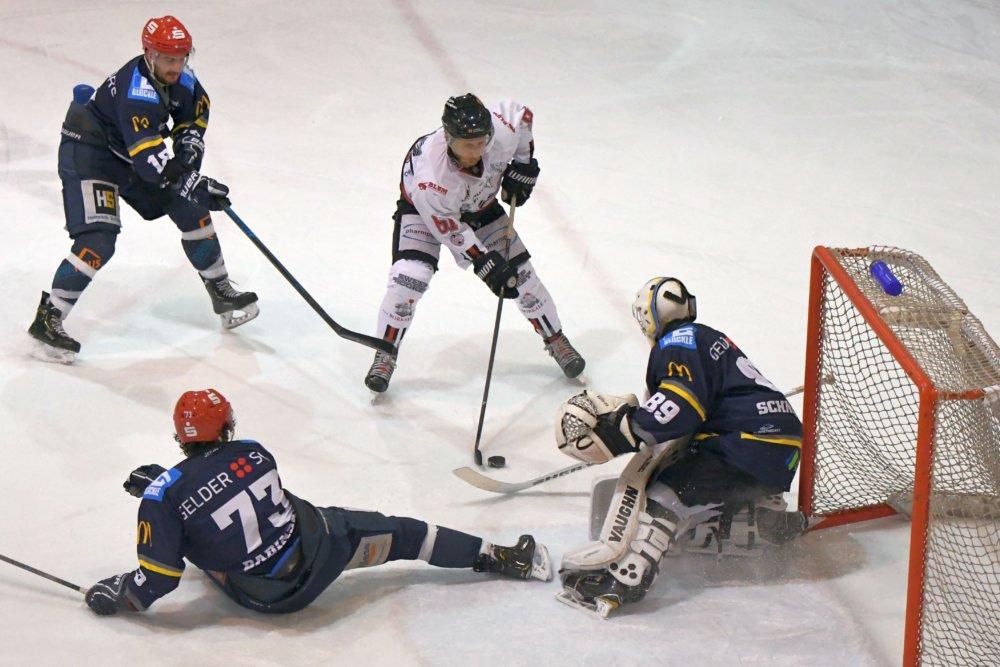 Angriff EHC Königsbrunn mit verdienter Niederlage in Schweinfurt Landkreis Augsburg mehr Eishockey News Sport EHC Königsbrunn Schweinfurt Mighty Dogs  Presse Augsburg