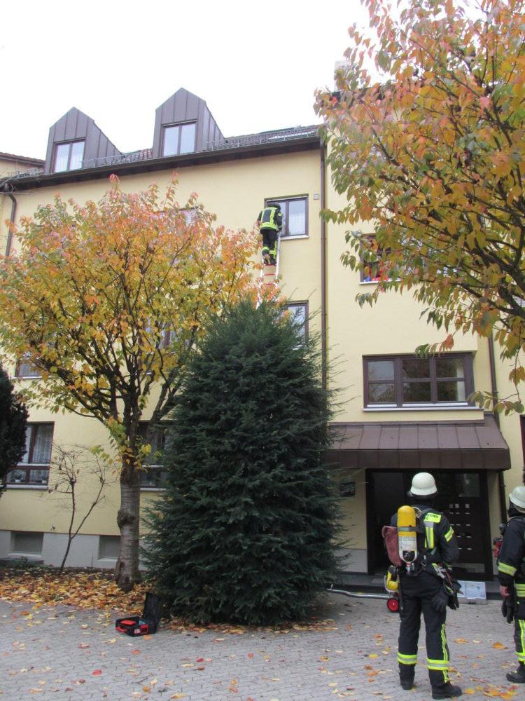 IMG_5718-e1573410125343 Augsburg-Lechhausen |Rauchmelder rettet Leben - Feuerwehr durch parkende Autos behindert Augsburg Stadt News Newsletter Polizei & Co |Presse Augsburg