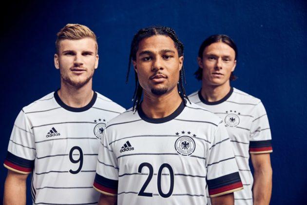 dfb-trikot-adidas-euro2020-em10-630x420 EM-Look fürs DFB-Team: Weißes Shirt mit «Nadelstreifen» Bildergalerien Sport Überregionale Schlagzeilen Videos adidas DFB EM Euro2020 Trikot  Presse Augsburg