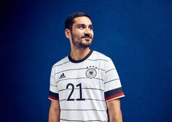 dfb-trikot-adidas-euro2020-em8-591x420 EM-Look fürs DFB-Team: Weißes Shirt mit «Nadelstreifen» Bildergalerien Sport Überregionale Schlagzeilen Videos adidas DFB EM Euro2020 Trikot  Presse Augsburg