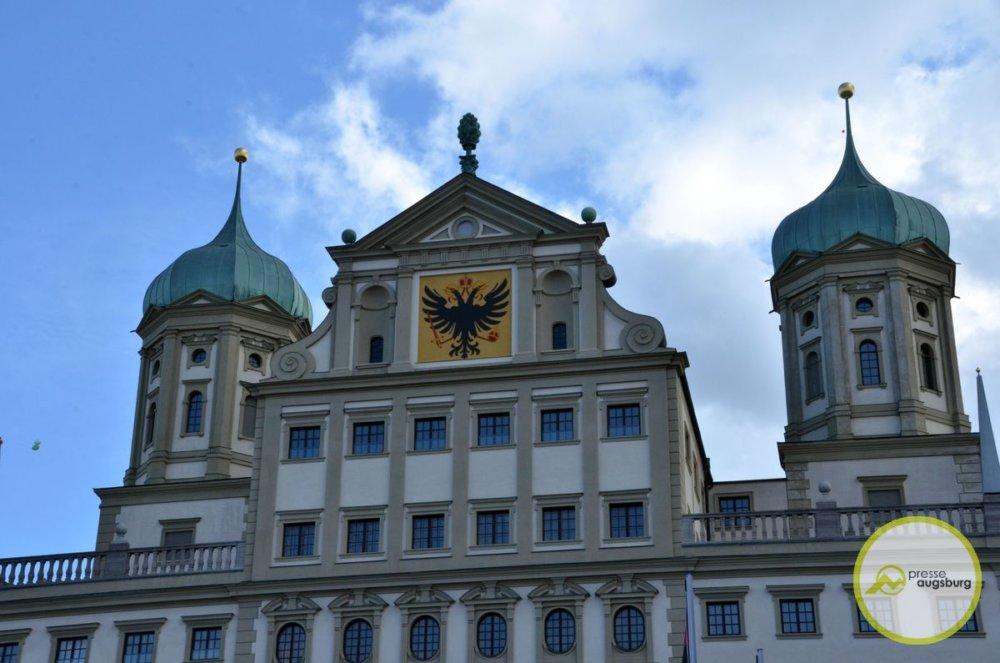 rathaus-augsburg1 Die Übernachtungszahlen in Augsburg sind noch einmal gestiegen Augsburg Stadt Augsburg-Stadt News Newsletter Wirtschaft Augsburg Tourismus Übernachtung |Presse Augsburg