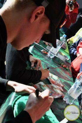 2019-12-14-FCA-Kids-Club-22-von-64.jpeg-280x420 Galerie | Weihnachtsfeier beim FCA KidsClub Augsburg Stadt Bildergalerien FC Augsburg News Sport FC Augsburg FCA FCA KidsClub |Presse Augsburg