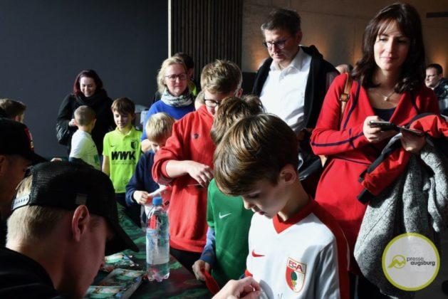 2019-12-14-FCA-Kids-Club-23-von-64.jpeg-629x420 Galerie | Weihnachtsfeier beim FCA KidsClub Augsburg Stadt Bildergalerien FC Augsburg News Sport FC Augsburg FCA FCA KidsClub |Presse Augsburg