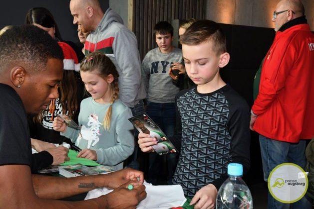 2019-12-14-FCA-Kids-Club-31-von-64.jpeg-629x420 Galerie | Weihnachtsfeier beim FCA KidsClub Augsburg Stadt Bildergalerien FC Augsburg News Sport FC Augsburg FCA FCA KidsClub |Presse Augsburg