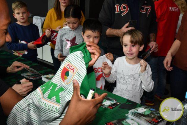 2019-12-14-FCA-Kids-Club-34-von-64.jpeg-629x420 Galerie | Weihnachtsfeier beim FCA KidsClub Augsburg Stadt Bildergalerien FC Augsburg News Sport FC Augsburg FCA FCA KidsClub |Presse Augsburg