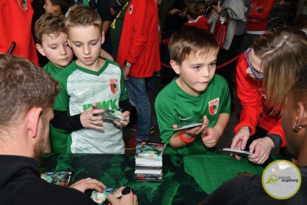 2019-12-14-FCA-Kids-Club-49-von-64.jpeg-629x420 Galerie | Weihnachtsfeier beim FCA KidsClub Augsburg Stadt Bildergalerien FC Augsburg News Sport FC Augsburg FCA FCA KidsClub |Presse Augsburg
