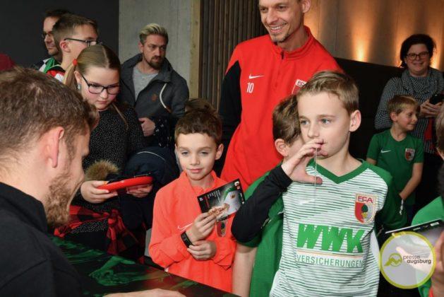 2019-12-14-FCA-Kids-Club-50-von-64.jpeg-629x420 Galerie | Weihnachtsfeier beim FCA KidsClub Augsburg Stadt Bildergalerien FC Augsburg News Sport FC Augsburg FCA FCA KidsClub |Presse Augsburg