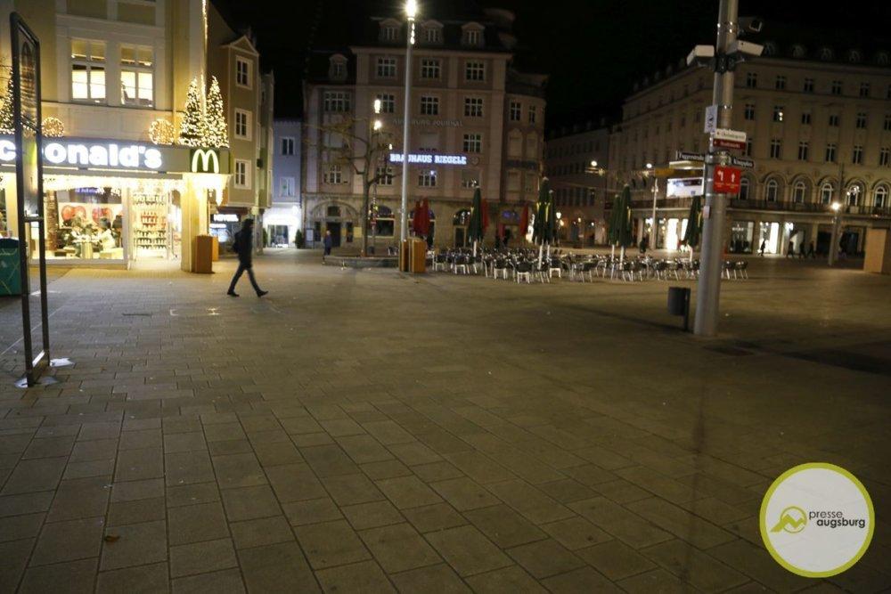 20191207_totschlag-königsplatz_bru_2 Nach tödlichem Angriff am Augsburger Königsplatz - Dritter Tatverdächtiger stellt sich selbst Augsburg Stadt News Newsletter Polizei & Co Augsburg Gewalttag Königsplatz Polizei |Presse Augsburg