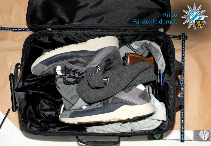 Reisekoffer Mit Beweismitteln Ts0We