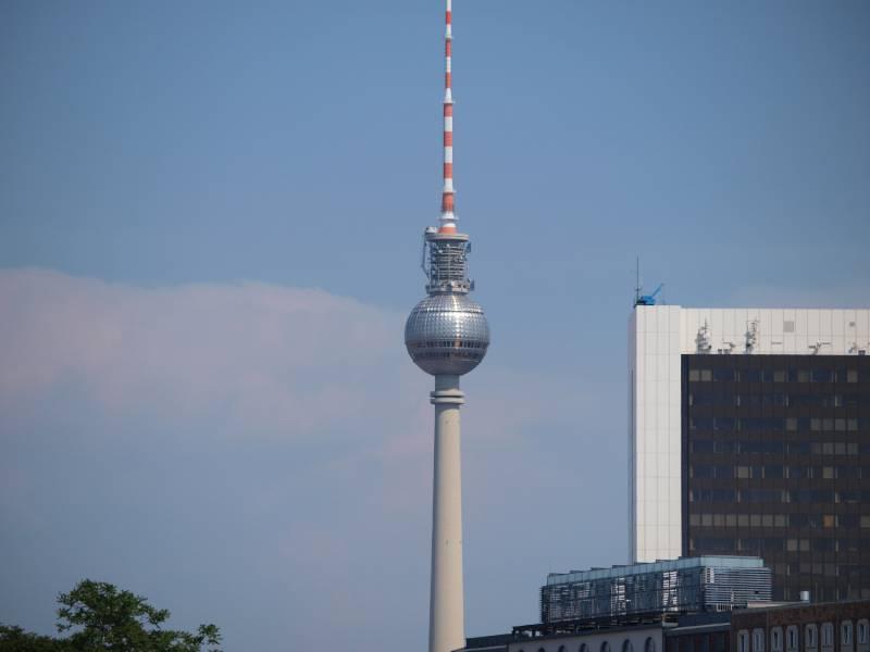 Schüsse am Berliner Tempodrom - Ein Toter und vier Verletzte