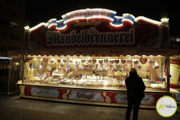 fasching_037-630x420 Bildergalerie | Buntes Faschingstreiben auf dem Augsburger Rathausplatz Augsburg Stadt Bildergalerien Freizeit News Newsletter |Presse Augsburg