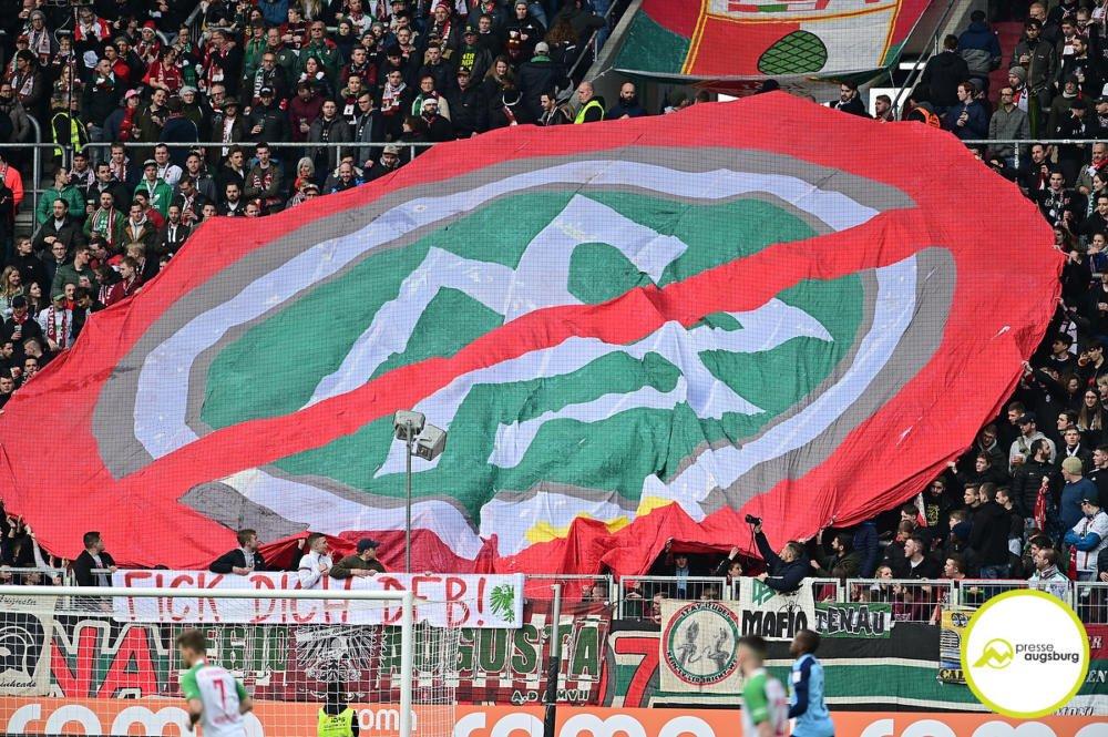 fca_bmg_031 Die Rosenau Gazette | Mach kaputt, was dich kaputt macht Augsburg Stadt FC Augsburg mehr Fußball News Newsletter Sport FC Augsburg FCA Rosenau-Gazette |Presse Augsburg