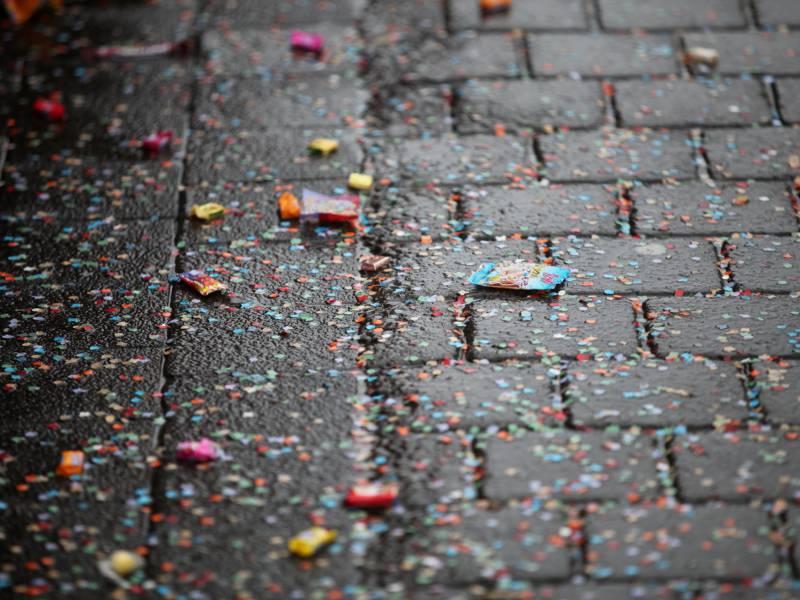 karnevalszuege-in-mehreren-staedten-wegen-unwetter-abgesagt Karnevalszüge in mehreren Städten wegen Unwetter abgesagt Überregionale Schlagzeilen Vermischtes Essen Familien Innenstadt Köln Nordrhein-Westfalen NRW Schützen Sonntag Stadt Teilnehmer Unwetter veranstaltung |Presse Augsburg