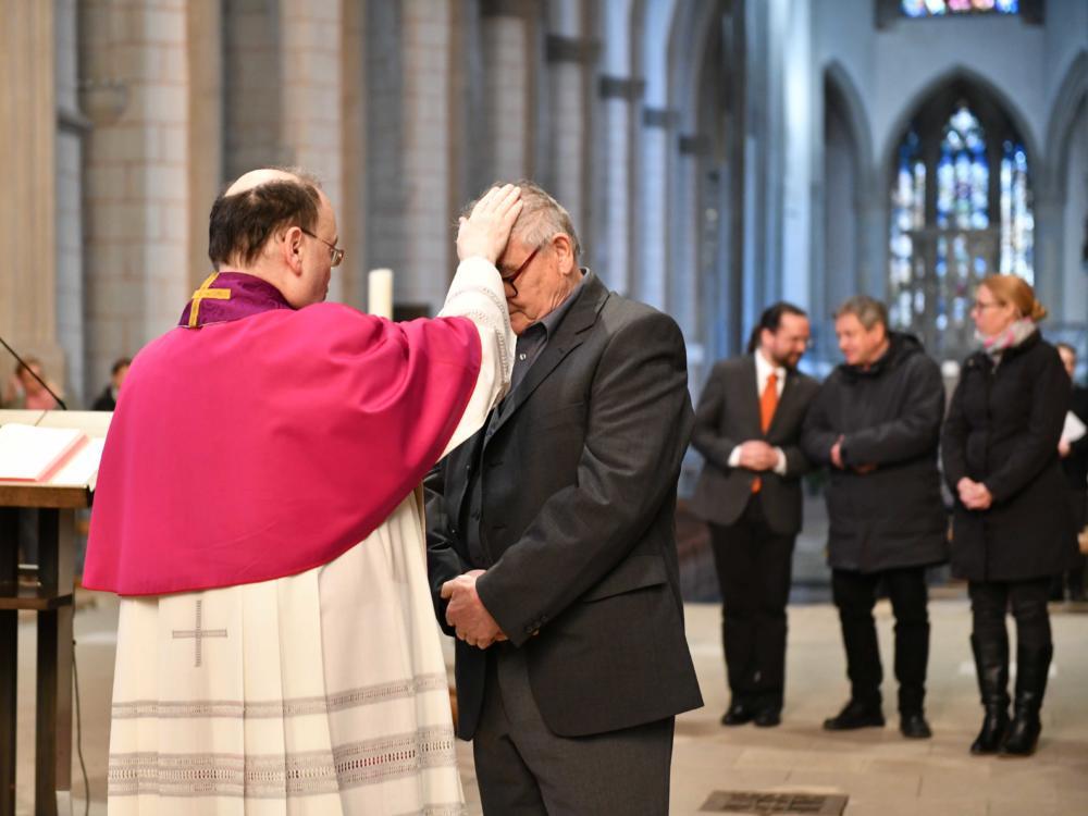 Zulassungsfeier Der Tauf Und Firmbewerber Im Augsburger Dom Foto Maria Steber Pba