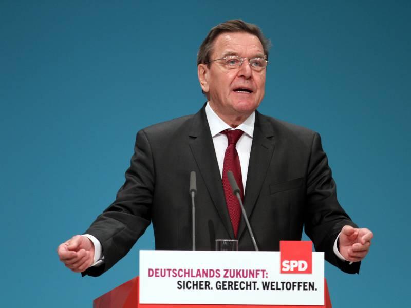 altkanzler-schroeder-sieht-spd-im-aufwind Altkanzler Schröder sieht SPD im Aufwind Politik & Wirtschaft Überregionale Schlagzeilen Altkanzler ANKER AUFWIND berlin CDU China Es Führung Große Koalition Koalition MAN Partei SPD  Presse Augsburg
