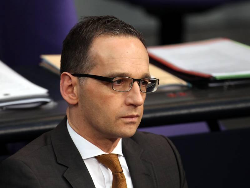 Aussenminister Fuerchtet Krieg Um Schutzausruestung