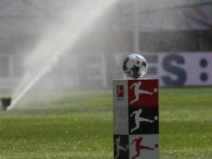 Dfl Kuendigt Neue Anstosszeiten Fuer Bundesliga Saison 2021 22 An 1