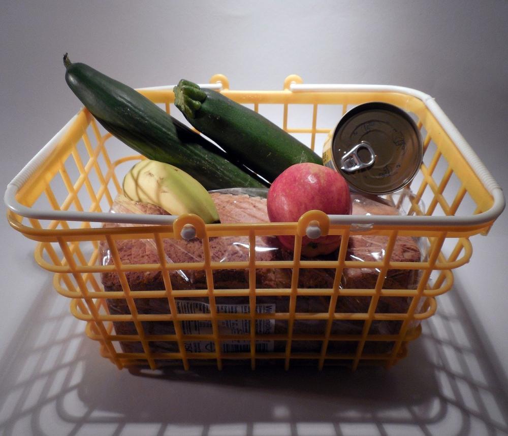 einkaufen-lebensmittel-supermarkt Große Hilfsbereitschaft in Augsburg - Über 600 Freiwillige wollen unterstützen Augsburg Stadt Freizeit News Newsletter Corona Freiwillige Freiwilligen-Zentrum Augsburg Hilfe |Presse Augsburg