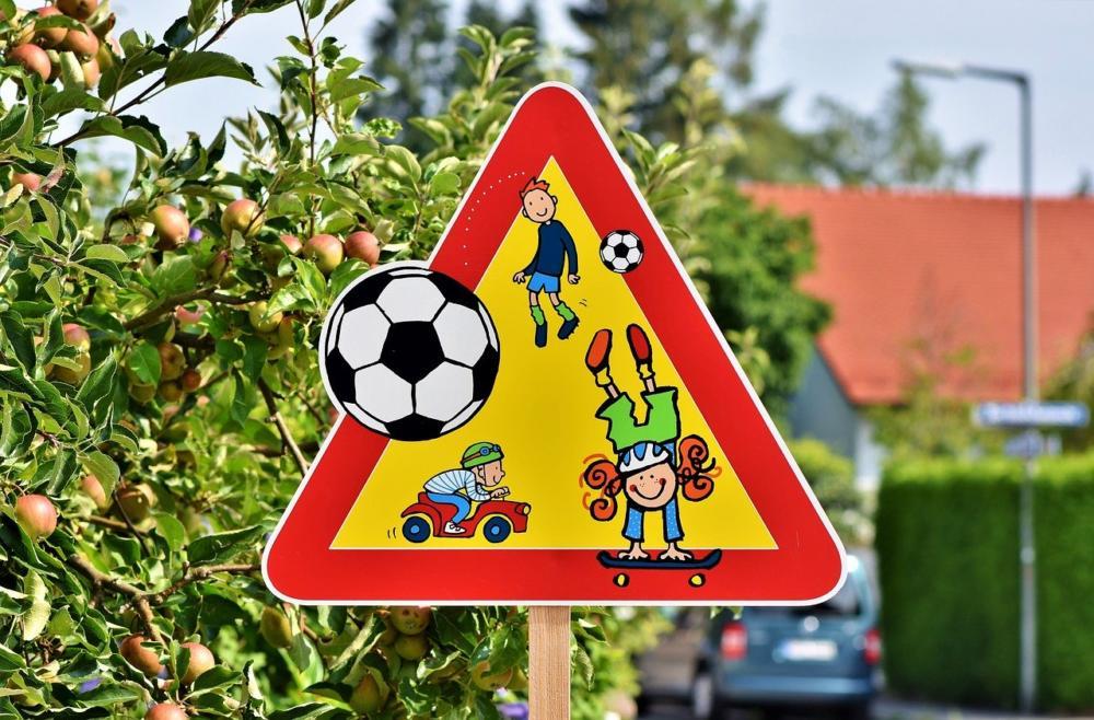 play-street-3547385_1280 Coronavirus: Verdachtsfall in Kita Josef- Priller-Straße - Einrichtung geschlossen Augsburg Stadt Gesundheit News Newsletter Augsburg Corona Kita Josef-Priller-Straße Univiertel |Presse Augsburg
