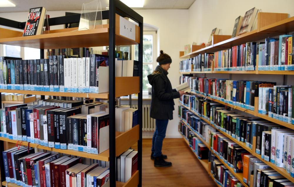 20 04 23 Bücherei Toruth Plössel 07