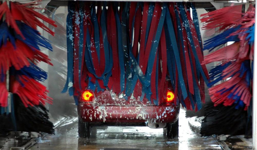 car-wash-1619823_1280 Verstoß gegen die Ausgangsbeschränkungen - Nicht jeder darf mit dem Auto in die Waschanlage Augsburg Stadt Freizeit News Newsletter Polizei & Co Ausgangsbeschränkung Auto bayern Waschanlage |Presse Augsburg