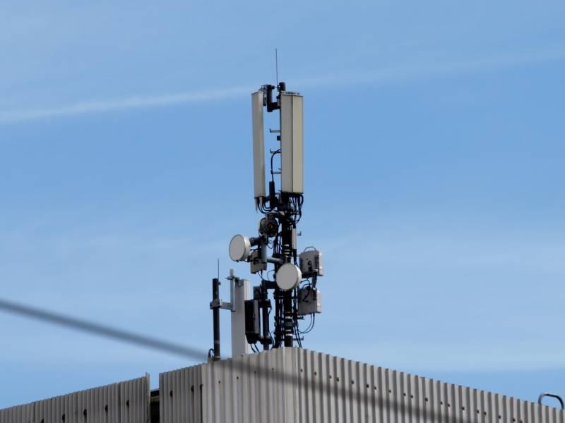 Deutsche Beim Aufbau Weiterer Mobilfunkmasten Gespalten
