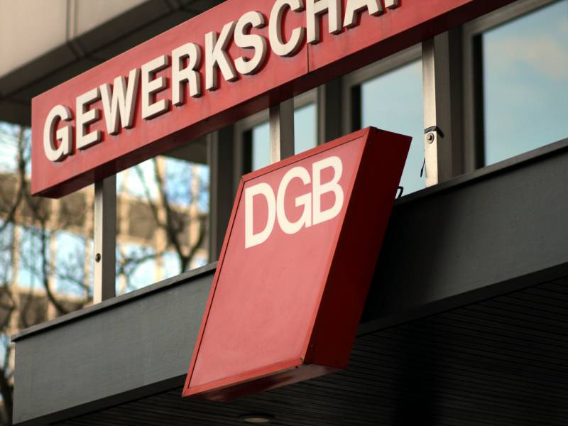 Dgb Chef Will Ueberdurchschnittliche Beteiligung Von Reichen An Wiederaufbau