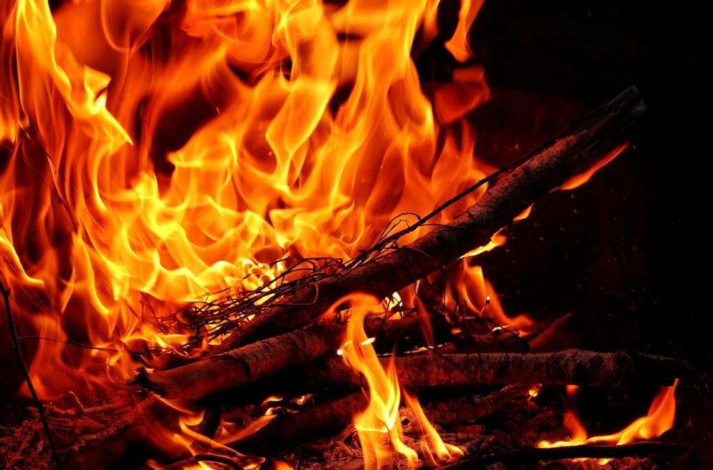 Fire 3358267 1280