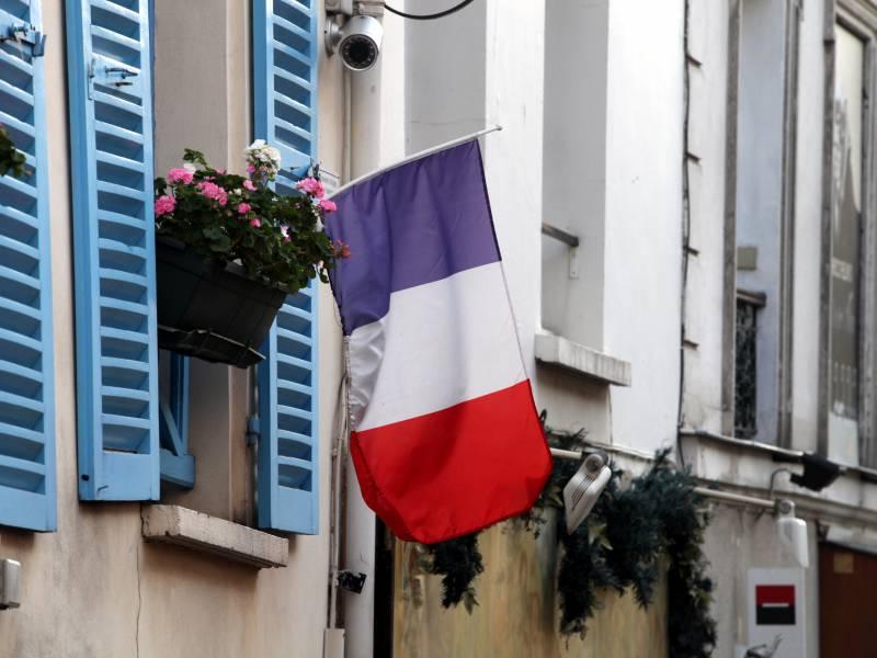 Frankreich Verlaengert Ausgangssperre Wegen Coronakrise Bis 11 Mai