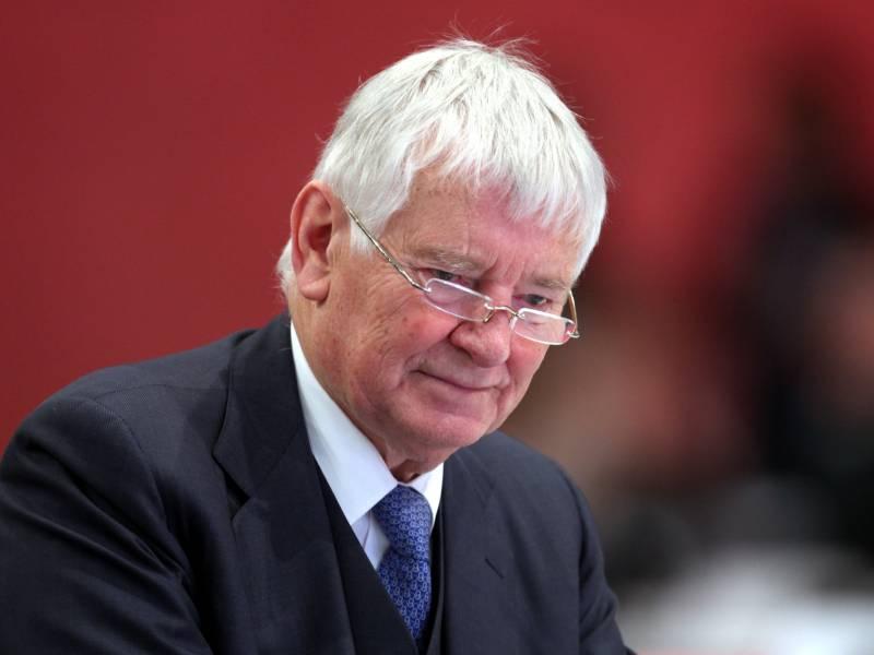 Schily Und Ruehe Wuerdigen Bluem Als Bedeutendsten Sozialminister Der Republik