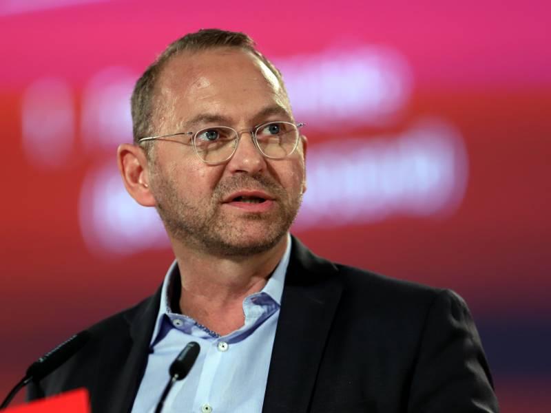 Verdi Chef Will Schutzschirm Fuer Kommunen Und Kommunale Unternehmen