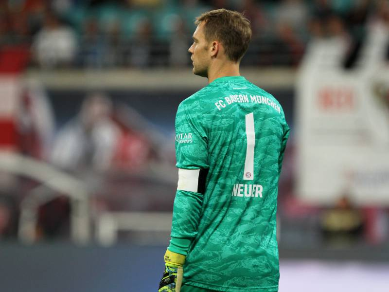 1 Bundesliga Bayern Gewinnen Haushoch Gegen Frankfurt