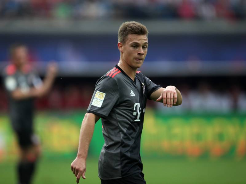 1 Bundesliga Fc Bayern Schlaegt Dortmund Dank Kimmich