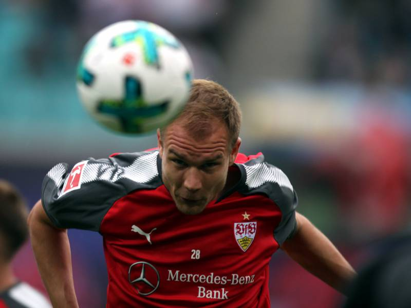2 Bundesliga Stuttgart Gewinnt Spitzenspiel Gegen Hamburg