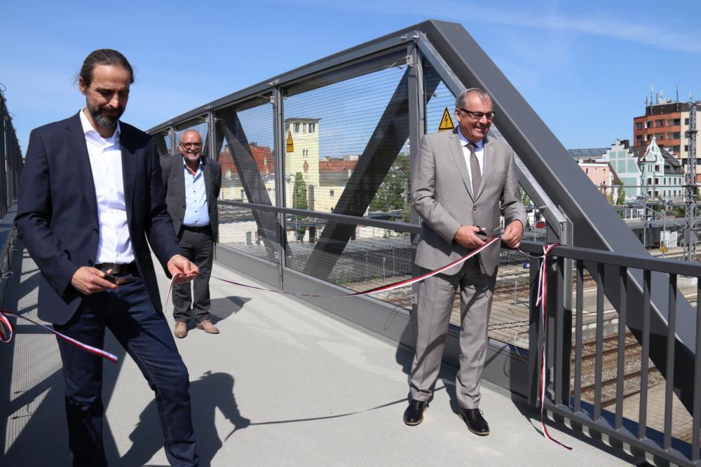 2020 05 08 Fußgängerbrücke Bahnhof