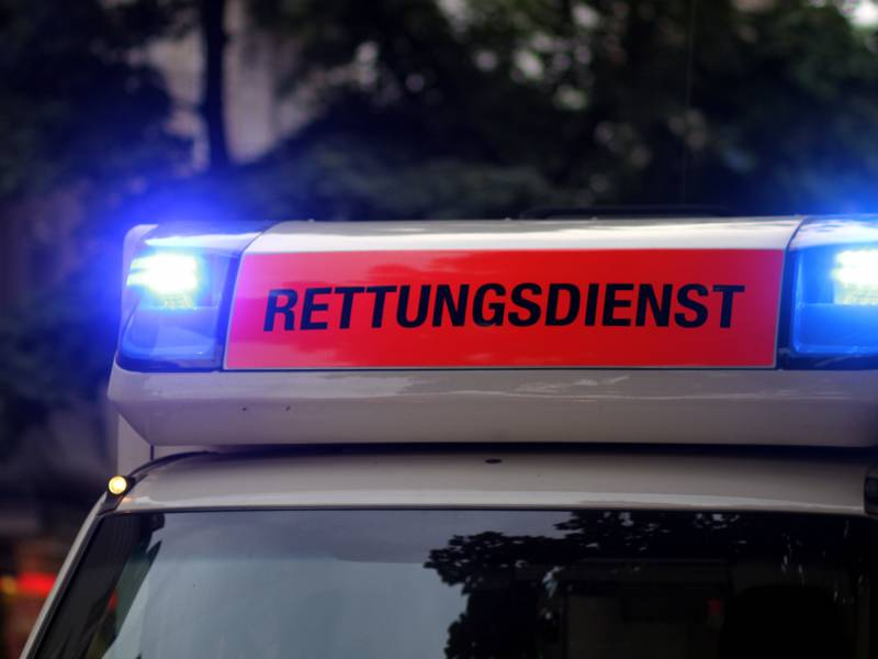 Baden Wuerttemberg 51 Jaehriger Stirbt Bei Arbeitsunfall