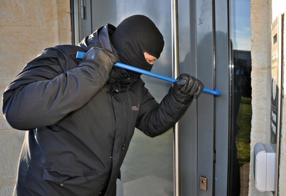 Burglar 3718381 1920