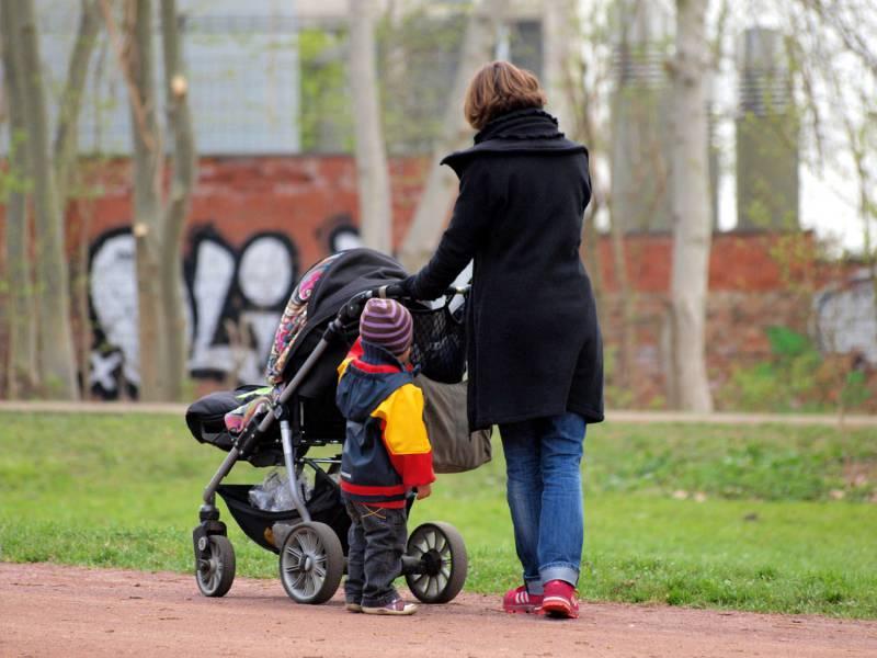 Giffey Fuer Verlaengerung Von Lohnfortzahlung Fuer Eltern In Coronakrise