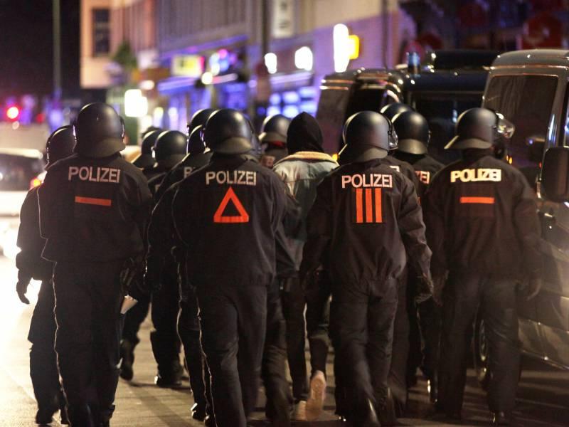 Linke Proteste In Berlin Hamburg Und Leipzig