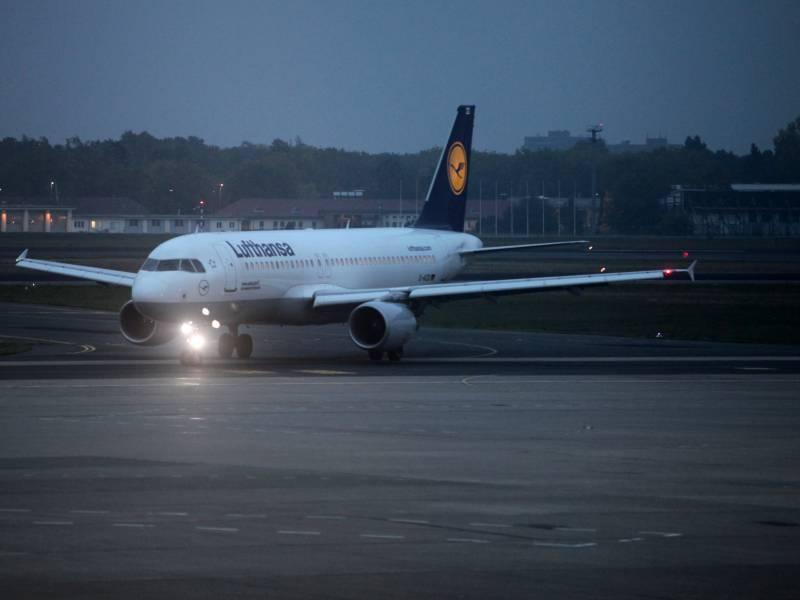 Lufthansa Aufsichtsrat Verschiebt Entscheidung Ueber Rettungsplan