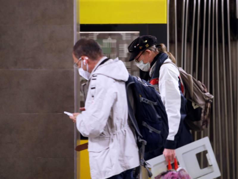 Nrw Gesundheitsminister Will Gewaltiges Maskendepot Anlegen
