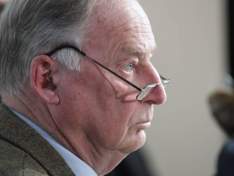 Ostbeauftragter Kritisiert Gauland Aeusserungen