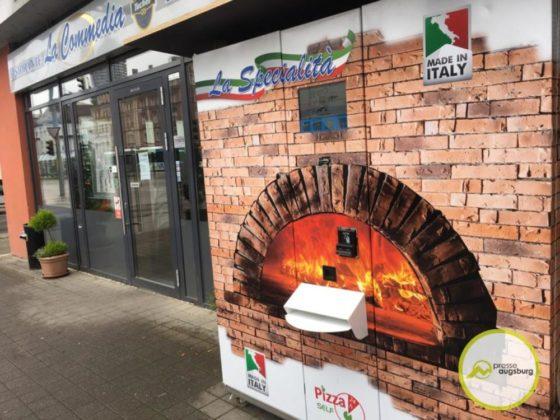 pizzaautomat2-560x420 In Augsburg gibt es Pizza al Forno aus dem Automaten Augsburg Stadt Bildergalerien News Videos Wirtschaft Augsburg Pizza Pizzaautomat |Presse Augsburg