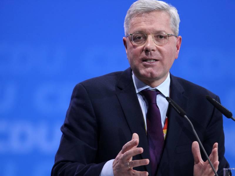 Roettgen Fordert Reaktion Der Bundesregierung Auf China Politik