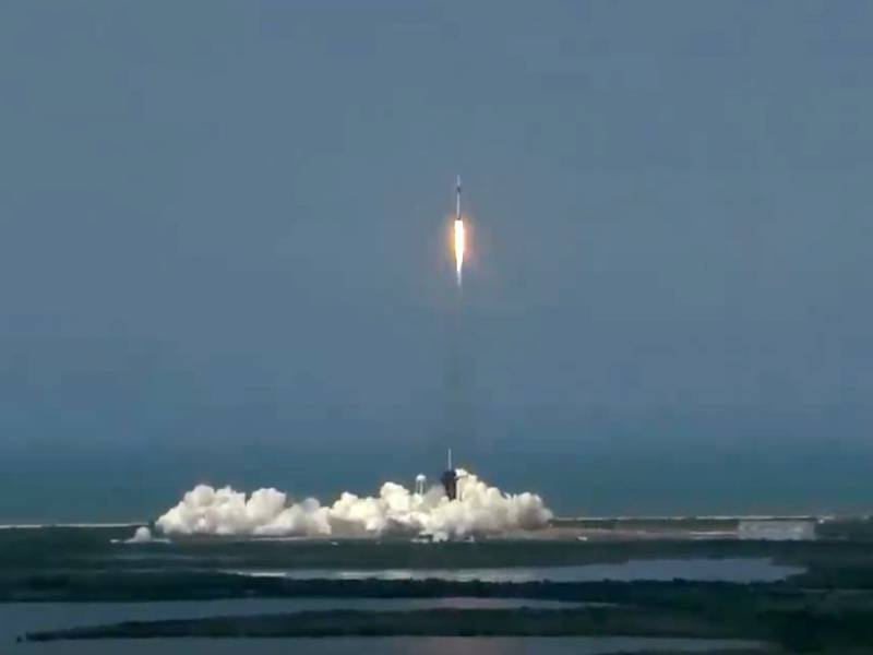 Spacex Raumkapsel An Iss Angedockt